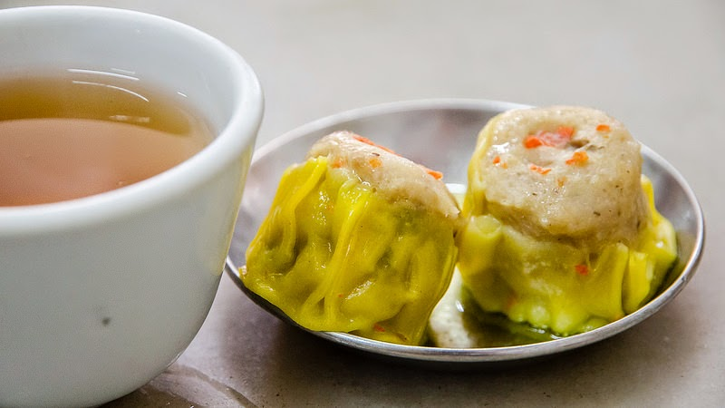 siu mai (pork dumpling) and Chinese tea at Yik Kee Restaurant, Karak